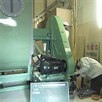 空調換気設備の工事中の写真です